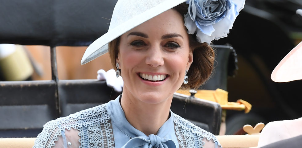 Kate Middleton incanta al Royal Ascot 2019 con pizzi e trasparenze