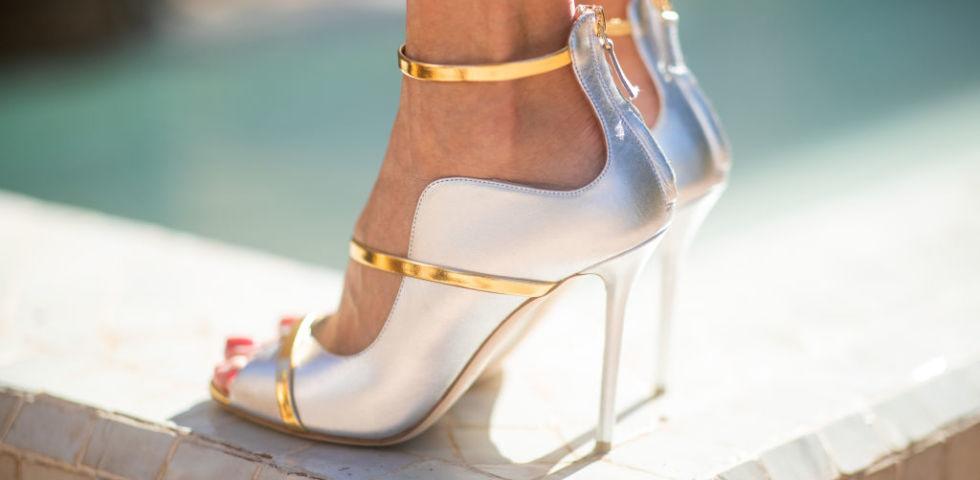 Scarpe argentate da cerimonia