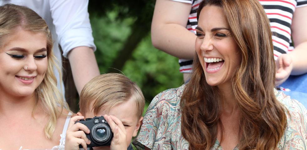 Kate Middleton sostituisce la Regina come madrina della Royal Photographic Society