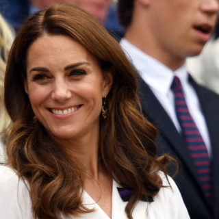 Kate Middleton in bianco incanta Wimbledon