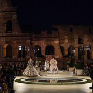Fendi: sfila sul Colle Palatino in ricordo di Karl Lagerfled