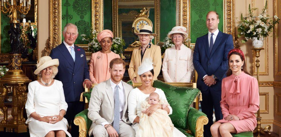 Archie Harrison: le foto ufficiali del battesimo con Meghan e Harry