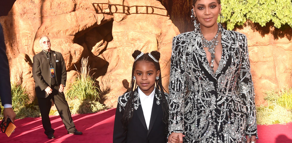 Beyoncé e Blue Ivy: look coordinato per la prima de Il Re Leone