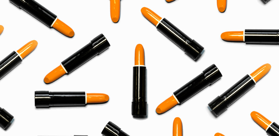 Rossetto arancione: a chi sta bene e come usarlo