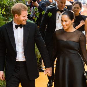 Meghan: l'abbraccio con Beyoncé sul red carpet del Re Leone
