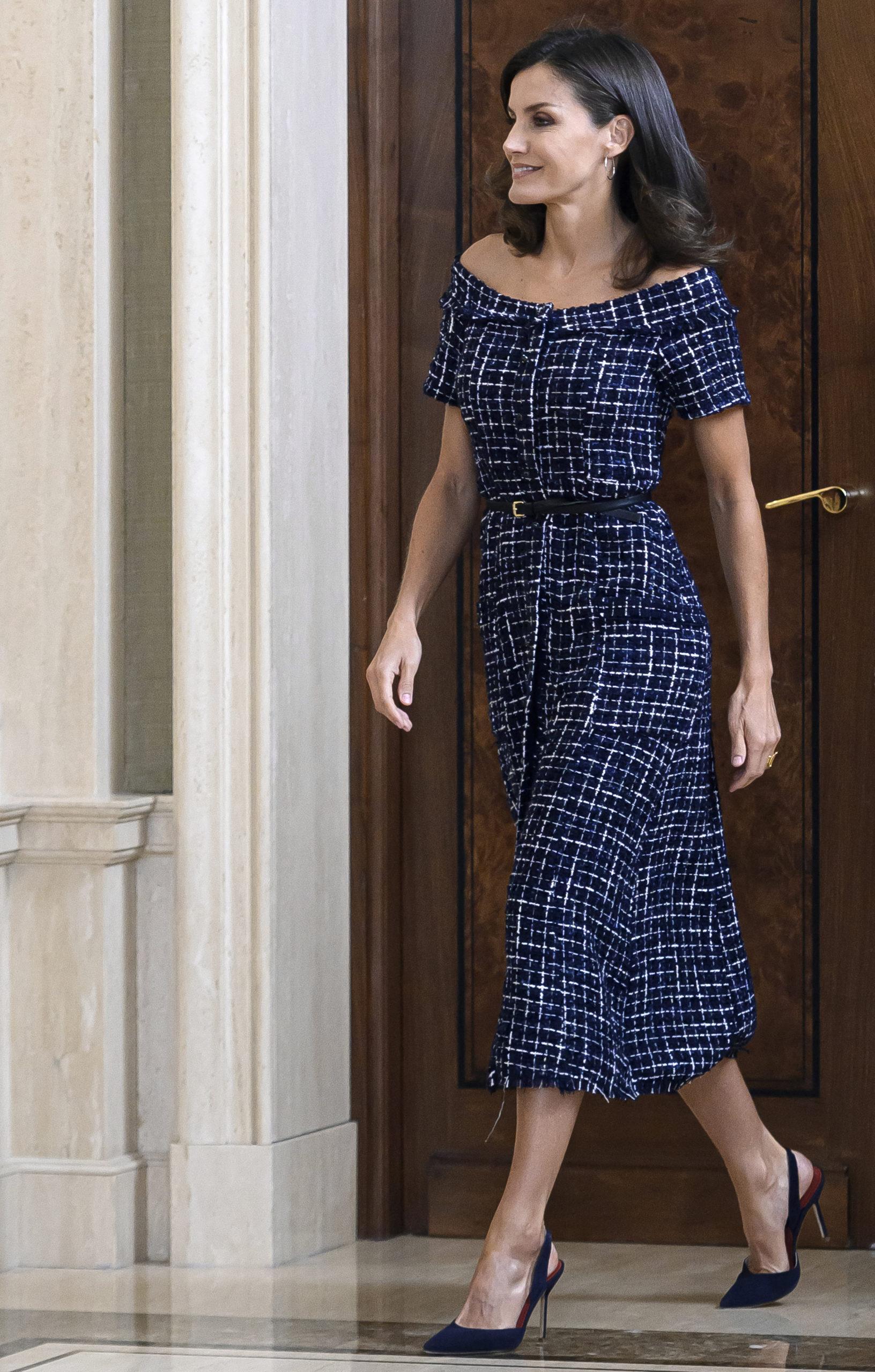 Letizia Ortiz sceglie abiti low cost
