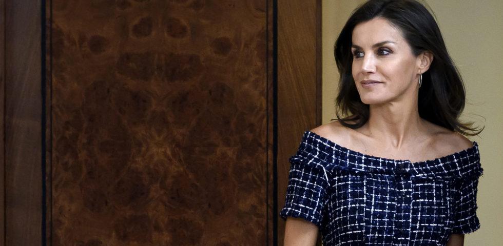 Letizia Ortiz regina del low cost: abito Zara da 29 euro