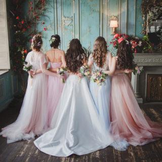 I consigli per scegliere i vestiti delle damigelle