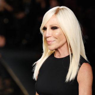 Donatella Versace chiede scusa alla Cina come D&G