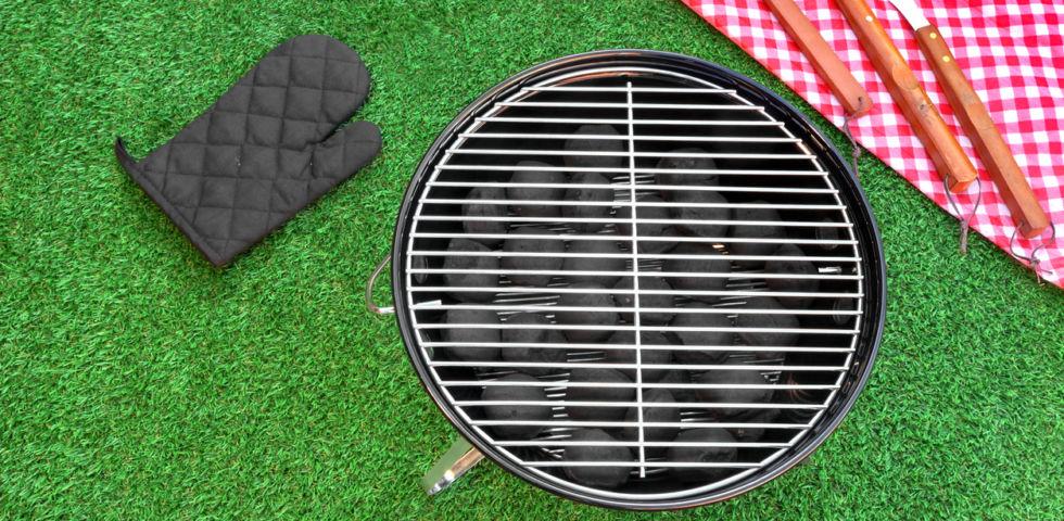7 barbecue da giardino chic perfetti per le grigliate con gli amici