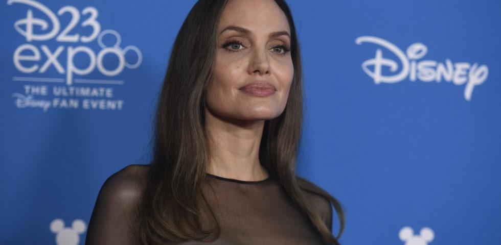 """Angelina Jolie reagisce al discorso di Brad Pitt: """"Irrispettoso e irriverente"""""""