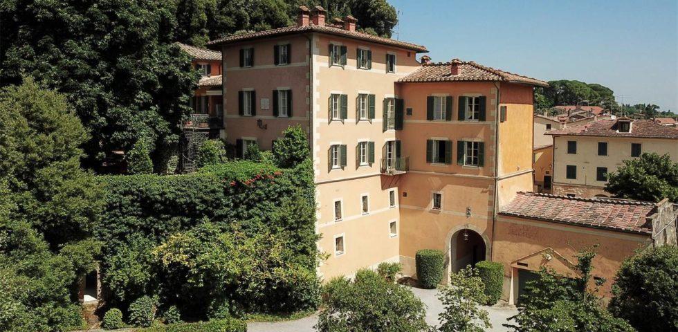 Valentino: la sua villa in Toscana in vendita per 12 milioni di euro