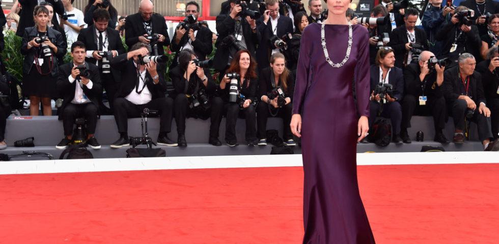 Alessandra Mastronardi, i look più belli della madrina di Venezia 76