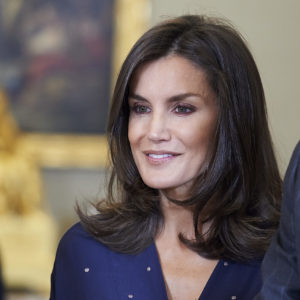 Letizia Ortiz: look audace per la Regina di Spagna