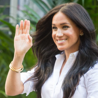 Meghan Markle: look total white al National Theatre
