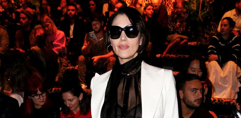 Monica Bellucci bellezza senza età a Parigi
