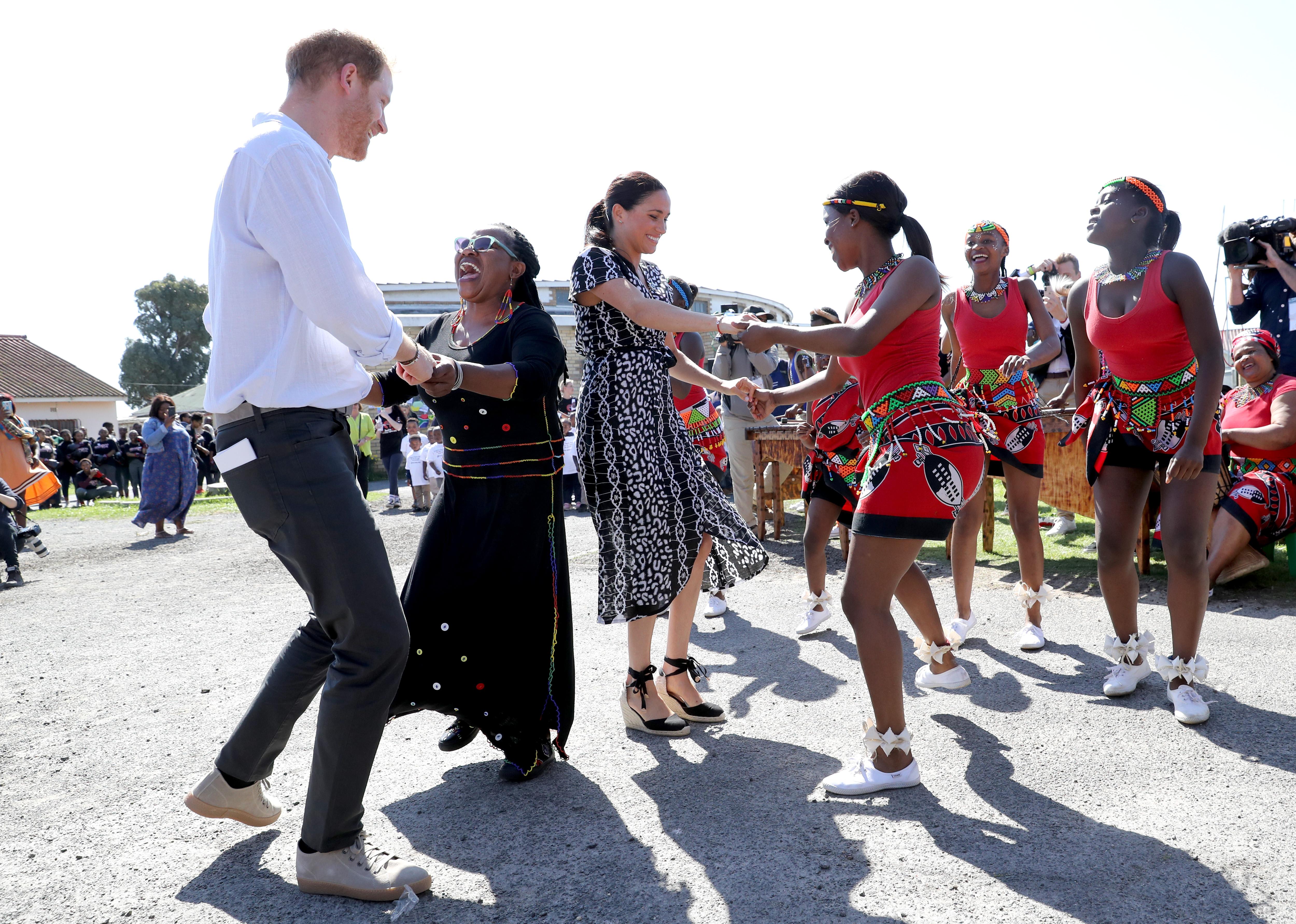 Meghan e Harry in Africa