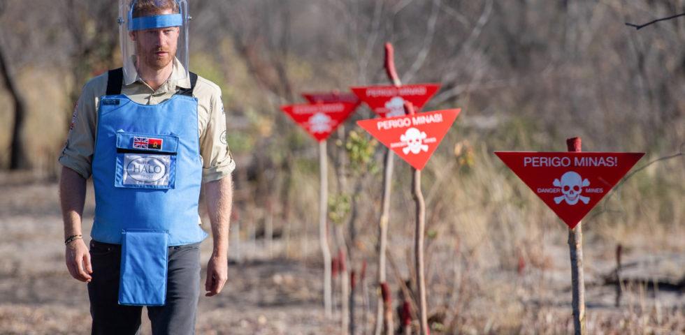 Il Principe Harry sulle orme di Lady Diana contro le mine antiuomo