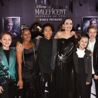 La Jolie con i figli sul red carpet di Maleficent