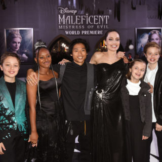 Angelina Jolie e le figlie insieme al Cirque du Soleil