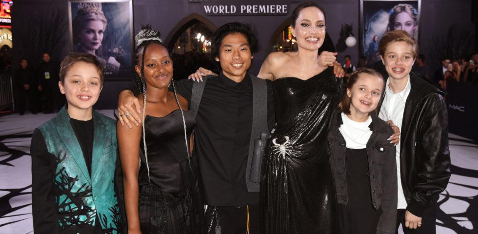 Angelina Jolie porta le figlie nel backstage del Cirque du Soleil