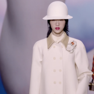 Louis Vuitton e la dandy romantica di Nicolas Ghesquière