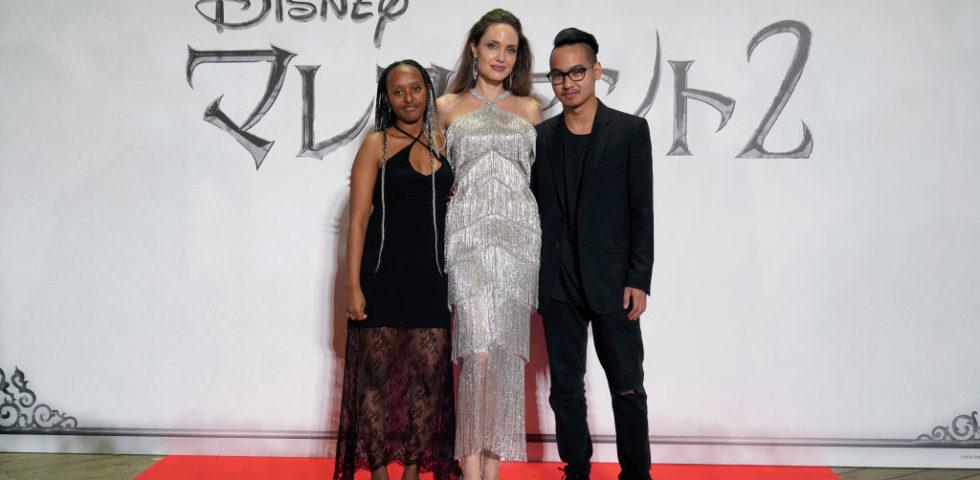 Angelia Jolie si riunisce con il figlio Maddox a Tokyo per Maleficent 2