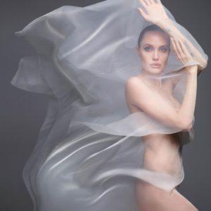 Angelina Jolie senza veli