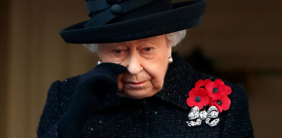 The Crown 3: bufera per il presunto amante della Regina Elisabetta