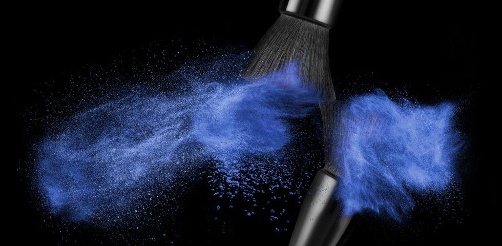 Trucco Classic Blue: come farsi ispirare dal colore Pantone 2020
