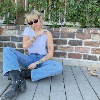 Miley Cyrus cambia look e sceglie il mullet