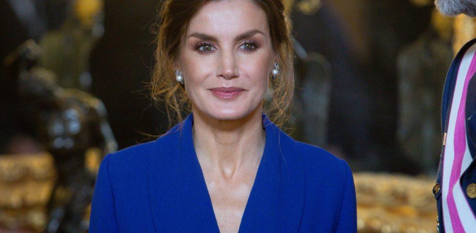Letizia Ortiz: l'abito smoking blu la incorona regina di stile
