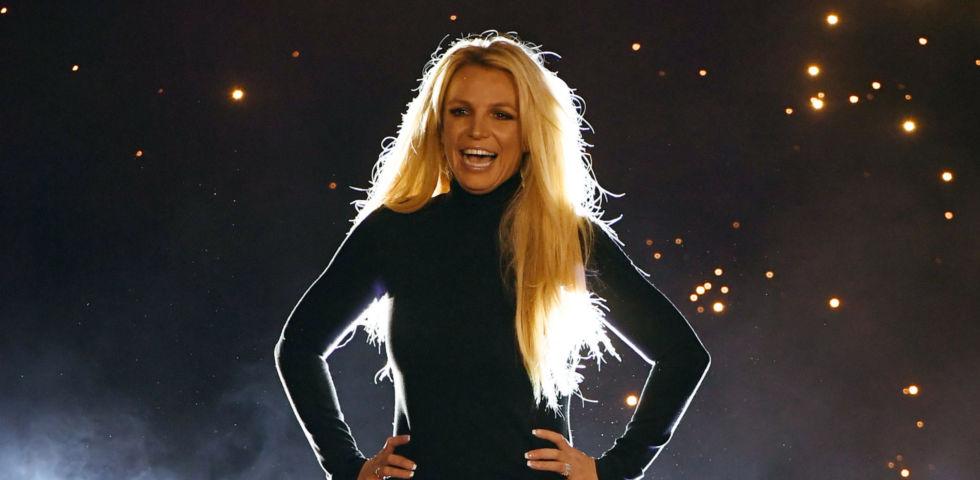 Britney Spears ritrova la forma fisica grazie allo yoga