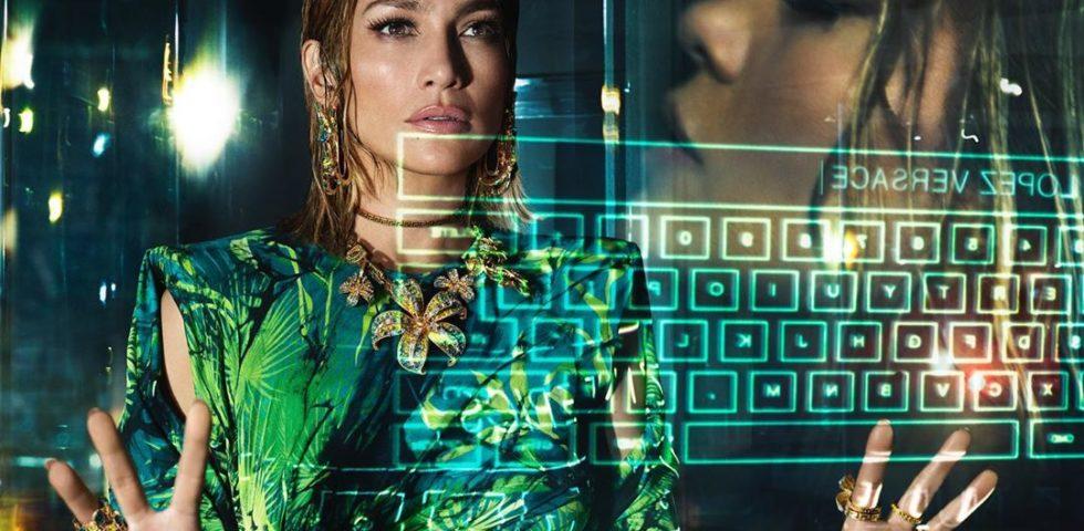 Jennifer Lopez nuovo volto per Versace