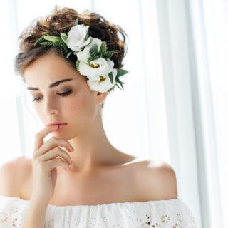 Le acconciature da sposa per capelli corti
