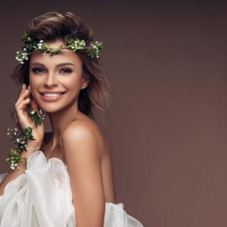 Le 8 acconciature da sposa semiraccolte più trendy
