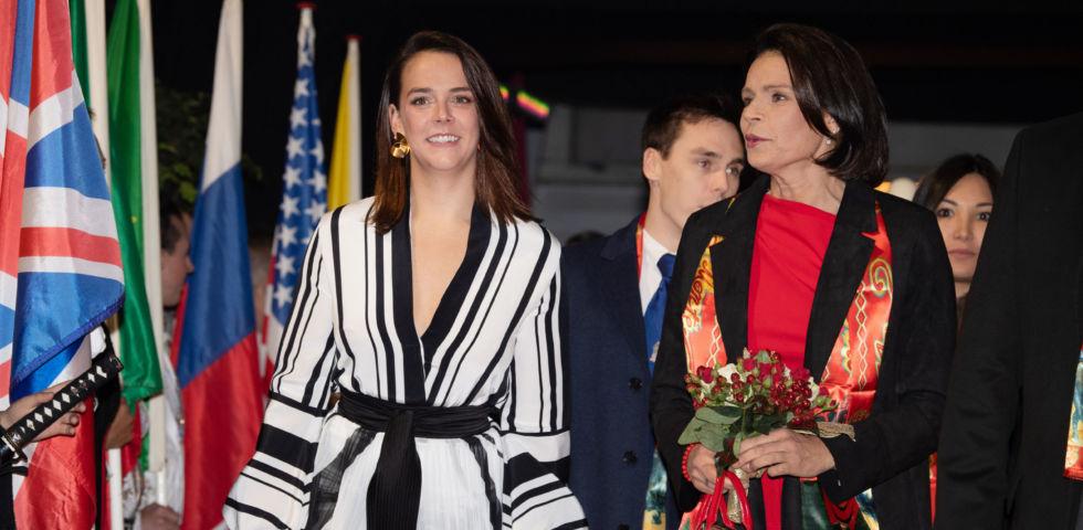 Stephanie di Monaco e Pauline Ducruet: mamma e figlia identiche al Circo