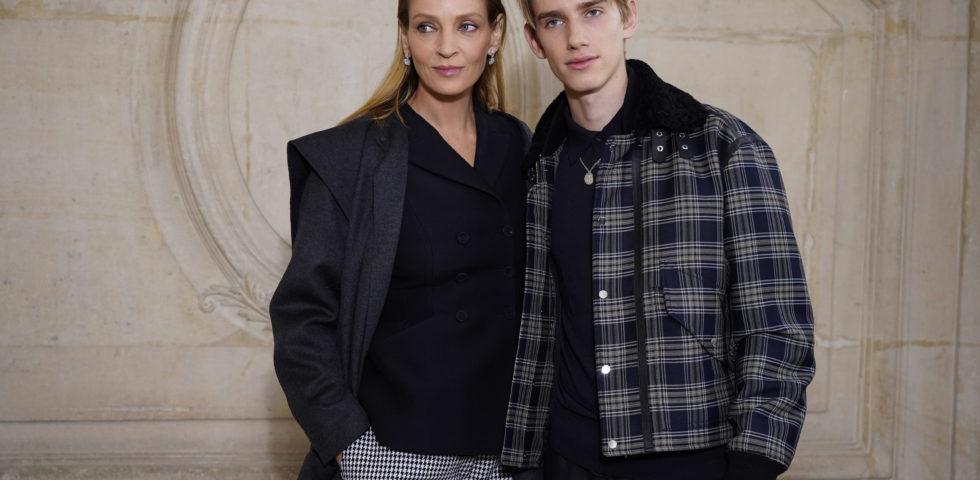 Uma Thurman e il figlio Levon Hawke alla sfilata Dior
