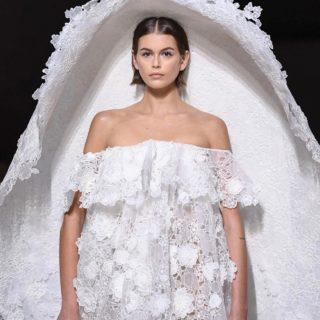 Kaia Gerber in abito da sposa per Givenchy