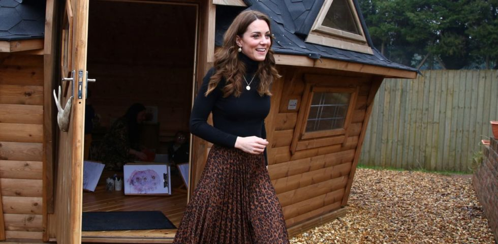 Kate Middleton: look low cost con gonna animalier Zara e cappotto Dutti