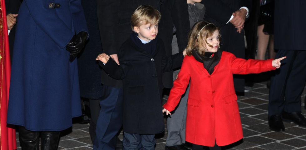 Jacques e Gabriella di Monaco scatenati alla Festa di Santa Devota