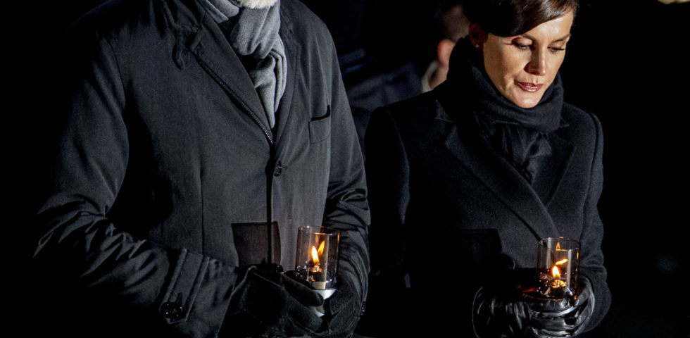 Letizia Ortiz: look total black per la Giornata della Memoria