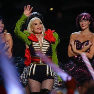 Gwen Stefani irriconoscibile: troppi