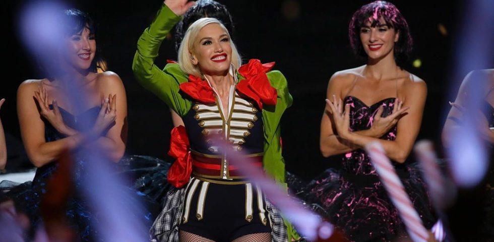 """Gwen Stefani irriconoscibile: fan preoccupati per i troppi """"ritocchi"""""""