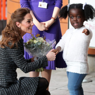 Kate Middleton in un completo tweed Dolce & Gabbana