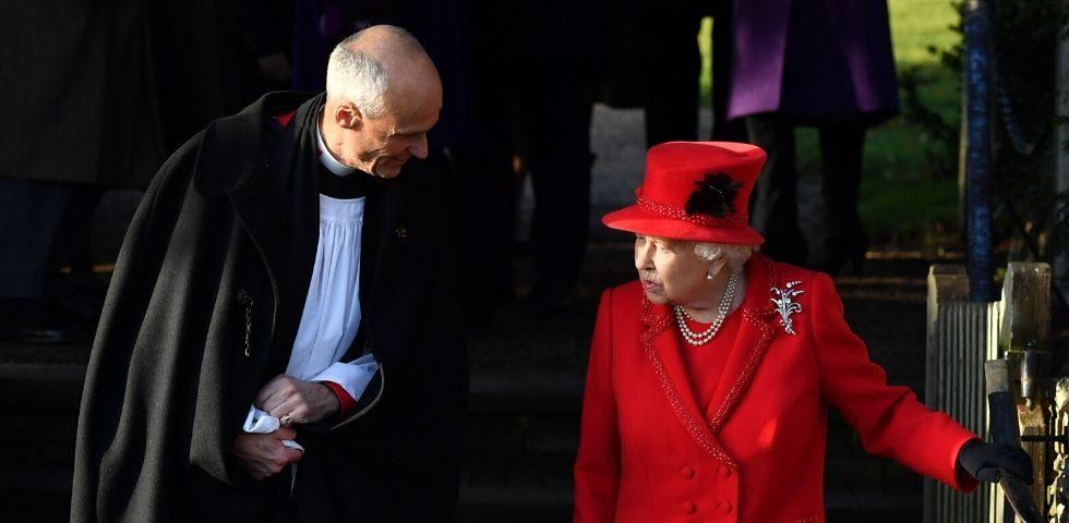 La Regina Elisabetta alla ricerca di un nuovo chef per il suo staff