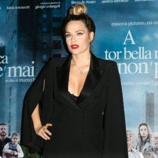 Laura Chiatti orgogliosa e felice per il seno rifatto