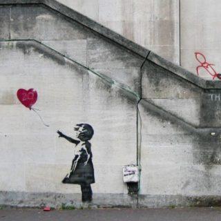 A San Valentino Banksy fa esplodere Cupido