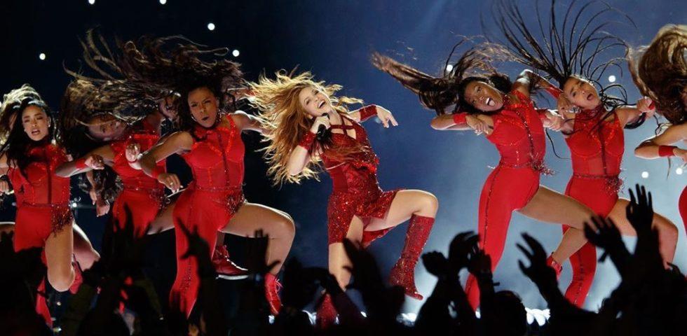 Shakira insegna a ballare la champeta