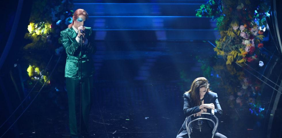 Achille Lauro si traveste da David Bowie a Sanremo 2020